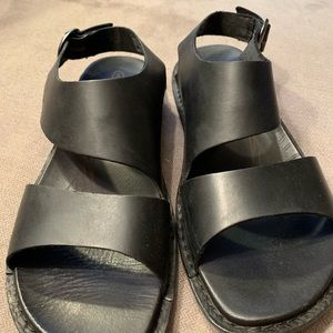Keen sandals size 7 1/2